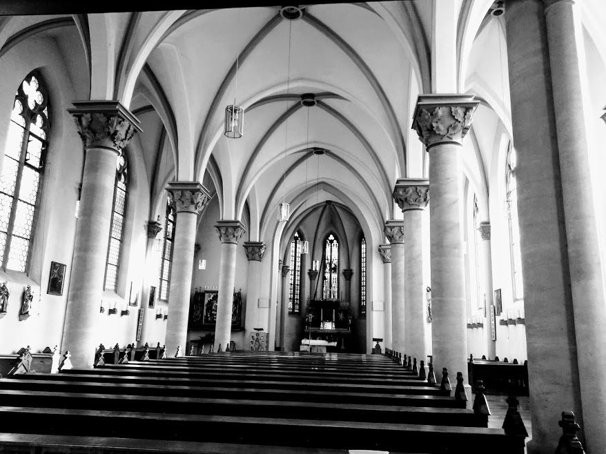 Innenansicht Kirche Maria Hilf